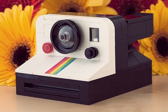 lego-polaroid-onestep-sx-70-camera-by-chris-mcveigh-1