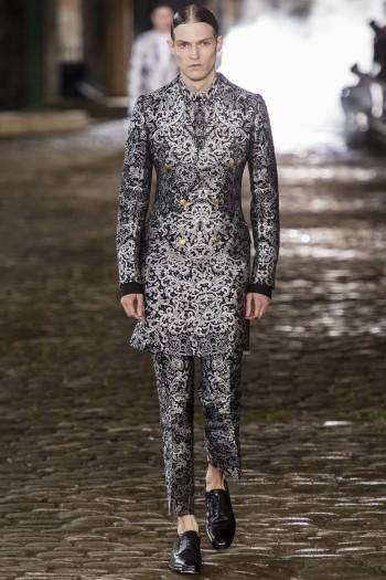 alexander-mcqueen-spring-summer-2014-menswear-0023-350x525