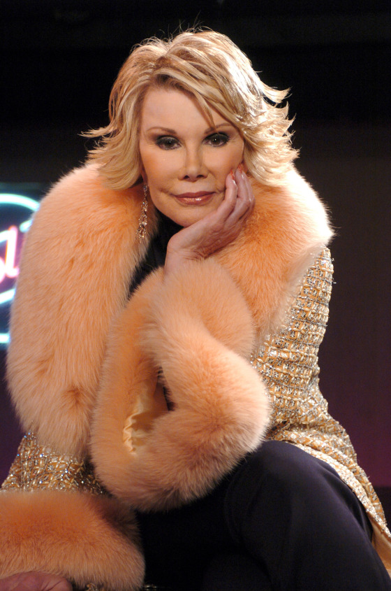 joan-rivers-at-taping-of-cmts-40-greatest-done-me-wrong-song-1