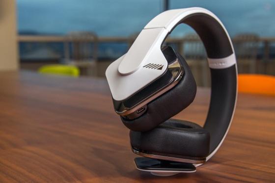 alpine-headphones-2-1500x1000